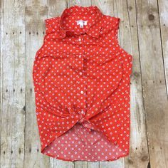 Button up tank Special collection for target no stains or tears very light wear *** Isaac Mizrahi for target Isaac Mizrahi Tops