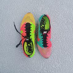 Nike Flyknit Racer Hyper Punch/Electric Green Hyper Jade/Hyper Punch