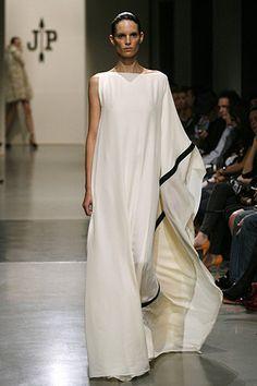 Jesús del Pozo - Pasarela - for more fashion visit http://pinterest.com/franpestel/fashion-rien-que-de-la-mode/