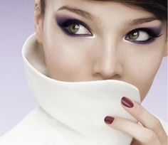 eye make up is amazing : Google Image Result for http://www.pieway.com/wp-content/uploads/2010/10/Asian-Sexy-Smokey-Eyes.jpg