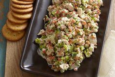 En tan solo 10 minutos puedes lograr el bocadillo perfecto de picadillo de atún y galletas para compartir. ¡Serás la estrella de cualquier reunión!