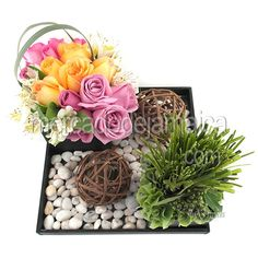 Centro Mesa Minimalista con Rosas 1424| Envia Flores