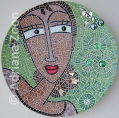 Spanish Lady. Mozaïek op houten schaal.