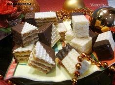 Kokosová a orechová griláž so salkom (fotorecept) Christmas Candy, Christmas Baking, Xmas Cookies, Waffles, Ale, Food And Drink, Bread, Cheese, Breakfast