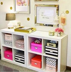 Agencement Cuisine : Definitely putting this in my room! Kate spade themed storage Definitely putting this in my room! Ikea Bookcase, Ikea Shelves, Bookcases, Cube Shelves, Rustic Bookshelf, Bookshelf Storage, Bookcase Styling, White Shelves, Diy Casa