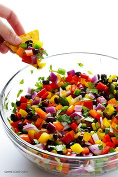 Rainbow Salsa-somewhere over the rainbow is really delicious salsa. Dip Recipes, Real Food Recipes, Mexican Food Recipes, Cooking Recipes, Gimme Some Oven, Food Themes, Dessert Dips, Salsa Recipe, Vegetable Salad