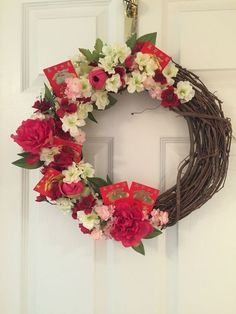 Why not have wreaths as one of your Chinese New Year decorations as a door accessory? Find a private venue where you can host your gathering party by clicking on the photo. Chinese New Year Flower, Chinese New Year 2017, Chinese New Year Party, Chinese New Year Decorations, New Years Decorations, New Year's Crafts, Diy And Crafts, Asian New Year, Chinese Christmas
