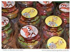 Vamos lá... Mês de agosto chegando e um tema muito Bacana para as festas deste mês é a Safari...     (fotos tiradas da internet)     ...