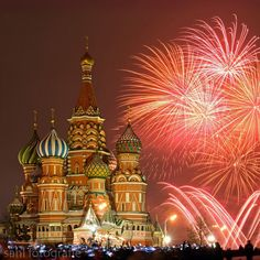 New Year at St. Basil's Cathedral ✨✨ Moscow - Russia. Great shot by ✨✨@Fotografie_De✨✨