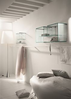 Wall-mounted glass bookcase ALFABETA - T.D. Tonelli Design
