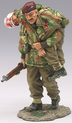 World War II British Army MG003 British Airborne Walking Wounded - Made by King and Country Military Miniatures and Models. Factory made, hand assembled, painted and boxed in a padded decorative box. Excellent gift for the enthusiast.