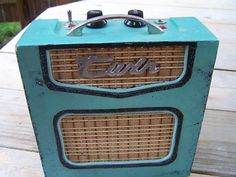 Vintage Style Cigar Box Amp