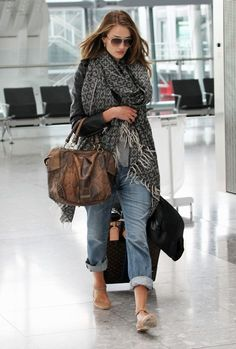 I love this airport look, especially the nude sneaker/flats