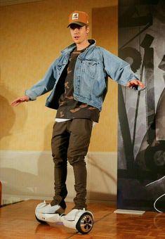 He is always amazing Justin Bieber 2015, Justin Bieber Outfits, Justin Bieber Images, Justin Bieber Style, All About Justin Bieber, Justin Bieber Wallpaper, Boy Fashion, Fashion Outfits, Brooklyn Beckham