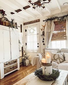 French Farmhouse Decor, Farmhouse Design, White Houses, Inspired Homes, Decor Styles, My House, Oversized Mirror, Im Not Perfect, Shabby Chic