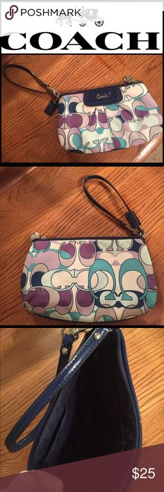 Coach Wristlet Like new, Coach Wristlet. No stains or marks. Coach Bags Clutches & Wristlets