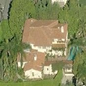 http://www.starmap.com/wp-content/uploads/2011/03/Winona_Ryder_House.jpg Winona Ryder House in Beverly Hills - http://www.starmap.com/star-maps/beverly-hills/winona-ryder-beverly-hills-house/