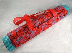 Making your own yoga mat tote from reuseable shopping bags.