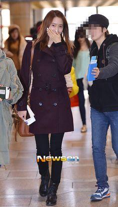 http://okpopgirls.rebzombie.com/wp-content/uploads/2013/03/SNSD-Yoona-airport-fashion-March-25-01.jpg