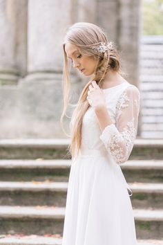 Winter weddings are beautiful – the crisp weather, sparkly icicles, falling snow, and dazzling night skies, although it's a perfect setting for romance and snuggling up with your loved one, you must be brave enough to fight with the cold weather. So the question is, what can you wear to keep you warm and at …