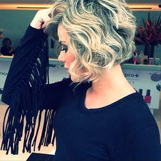 .@Marisa Biaggi | Muito sexy cabelo curto ondulado , divine @natalliarodrigues8 #musa #shortCut ❤️ | Webstagram