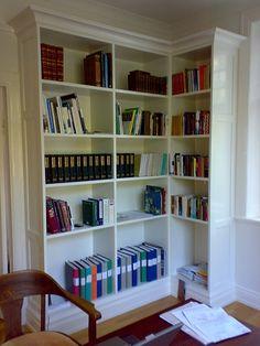 Platsbyggd bokhylla - Sida 4 Corner Bookshelves, Built In Bookcase, Board And Batten, Living Room Remodel, Furniture Makeover, Interior Inspiration, New Homes, House Design, Flooring
