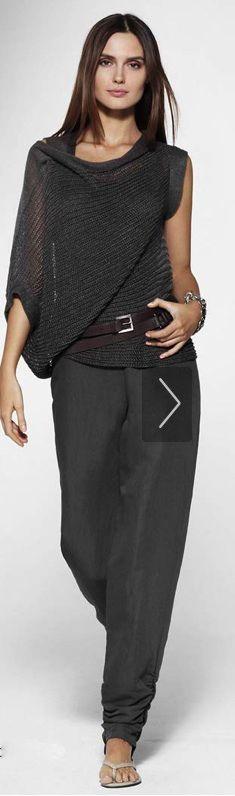 Love this sweater! Sarah Pacini, Look Fashion, Autumn Fashion, Urban Chic Fashion, Fashion Hair, Office Fashion, Grey Fashion, Fashion Fashion, Sweater Fashion