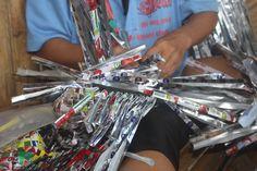 🎈🎉 LOUBESS FÊTE SES 1AN 🎉🎈 Du 25/10 au 07/12 EVENEMENT SPECIAL ANNIVERSAIRE jusqu'au 18 novembre ! Les coups de cœur d' Oumy: Les Philippines Pour fêter les 1 an de la botuique Loubess, Oumy vous fait partager ses coups de coeur : L' artisan Taloma des Philippines #Produitécologiques #choixéthiques #Artisanatdurable #récup