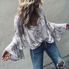 Boho clothes, jewelry and bags have rocked the fashion world. Boho has been immensely popular both with celebrities with masses alike. Let us look over on Boho Moda Outfits, Chic Outfits, Spring Outfits, Fashion Outfits, Womens Fashion, Spring Dresses, Fashion Clothes, Mode Hippie, Mode Boho