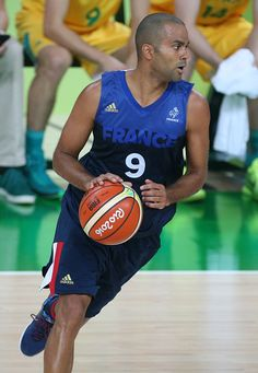 #RIO2016 Best of Day 1 - Tony Parker of France in action during the group phase basketball match between France and Australia on day 1 of the Rio 2016 Olympic Games at...