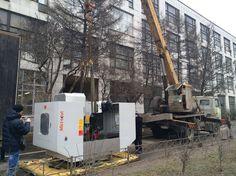 Разгрузка и подготовка к проведению такелажных работ по заносу фрезерного станка с ЧПУ через технологический проем.