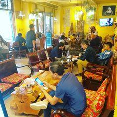 Coffee shop vintage Bar Spoon, Vintage Shops, Coffee Shop, Coffee Shops, Coffeehouse, Vintage Stores