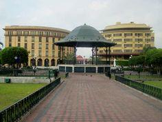 Edificio De La Luz Y Hotel al fondo de la Plaza De La Libertad.............................    ========================   Rolando De La Garza Kohrs http://About.Me/Rogako ========================