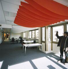 Пример оформления офисного пространства с недостаточной высотой потолка. Фото предоставлено компанией Paper Design