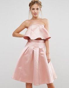 Buy it now. Chi Chi London Occasion Crop Top in Satin Co-ord - Pink. Top by Chi Chi London, Satin-style fabric, Bandeau design, Ruffle-layer detail, Zip-back fastening, Regular fit - true to size, Hand wash, 100% Polyester, Our model wears a UK 8/EU 36/US 4. ABOUT CHI CHI LONDON Chi Chi London are your go-to girls when it comes to dressing up. Whether you�re a prom queen, party princess or bridesmaid, Chi Chi London is the ultimate dress destination. , topcorto, croptops, croptop…