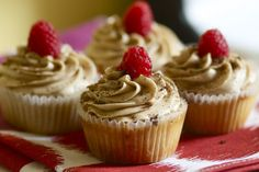 Vegan Raspberry Tiramisu Cupcakes