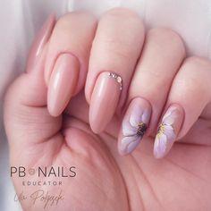 Color For Nails, Almond Nails Designs, Nail Forms, Finger, Oval Nails, Pretty Nail Art, Acrylic Nail Art, Flower Nails, Nail Inspo