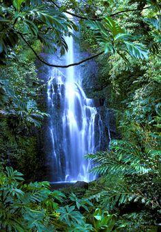 Hawaii - Maui - Wailua Falls on the Hana Coast