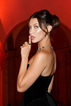 1572 Best bella hadid ♡ ♡ images   Bella gigi hadid, Pop magazine ... 76c141e27f0