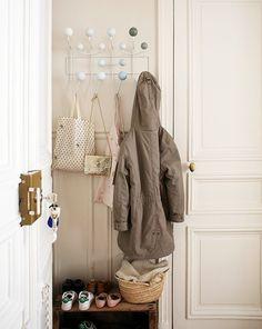 Audrey, Paris 5ème - Inside Closet интерьер декор вешалка