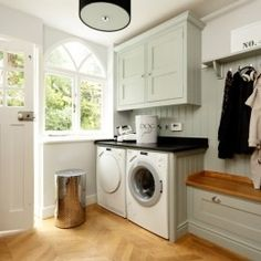 Explore the best way to design your utility room layout at The Architecture Design. Visit for more images and take ideas about utility room layout. Boot Room Utility, Small Utility Room, Utility Room Storage, Utility Room Designs, Small Laundry, Utility Room Ideas, Boot Storage, Utility Sink, Kitchen Utilities