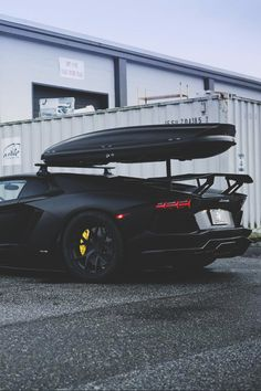 Lamborghini Aventador. These look great with a roof rack #cars