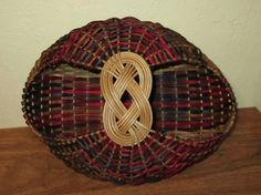 Josephine knot basket--love the color! By Habasketry