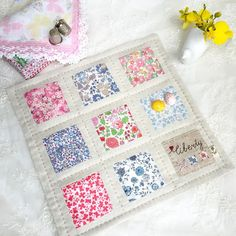 Stitching Notes: It's All About Minis Today Charm Pack Quilt Patterns, Mini Quilt Patterns, Mug Rug Patterns, Sewing Patterns, Small Quilts, Mini Quilts, Liberty Quilt, Liberty Fabric, Quilted Table Runners Christmas