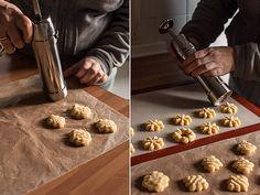 Receta de galletas: cómo hacer galletas ricas y con formas originales gracias a la pistola. ¡Toma nota! Tutorial de repostería de marialunarillos (@marialunarillos) #reposteria #galletas
