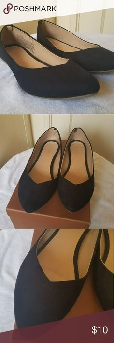 Old Navy Flats Old Navy Almond toe flats Only used once  Has very few wrinkles Old Navy Shoes Flats & Loafers