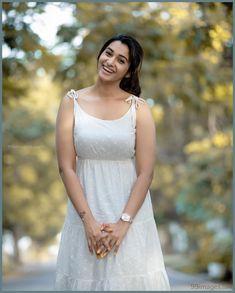 Tamil Actress Priya Bhavani Shankar Latest Photoshoots - South Indian Actress - Photos and Videos of beautiful actress - Indian Actress Photos, South Indian Actress, Beautiful Indian Actress, Beautiful Actresses, Indian Actresses, South Actress, Beautiful Saree, Priya Bhavani Shankar, Actress Priya