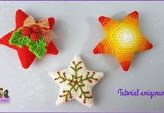 Cómo hacer estrellas de navidad en amigurimi Christmas Time, Christmas Crafts, Xmas, Christmas Ornaments, Tutorial Amigurumi, Crafts For Kids, Diy Crafts, Crochet Stars, Crochet Ornaments