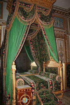 Emperor's Bedchamber Chateau de Fontainebleau , France