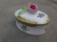 Vintage Hallmarked Herend Trinket Box, Hungary...........d